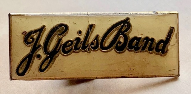 1982.Metal.J.Geils.Band.Pin